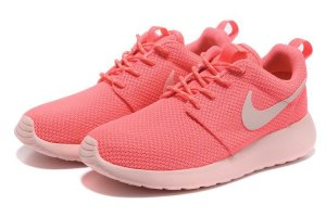 Nike-Roshe-Run-Yeezy-Damen-Rosa-Hot-Punch_3